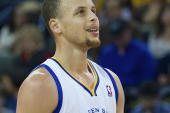 NBA: Curry-show, Warriors vincono la division, Nets ottavi a Est